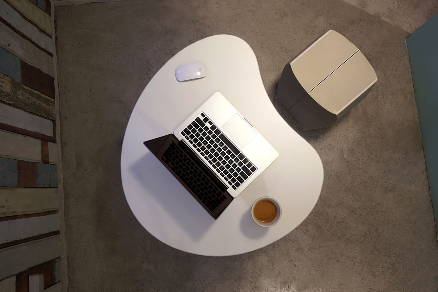 computer, laptop table